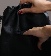 zadrga črn nahrbtnik